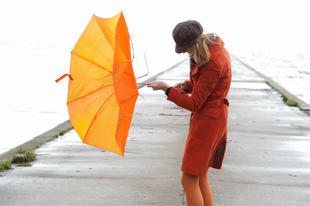 How to Fix an Umbrella that Won't Stay Open: The Simple Solution